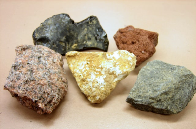 Igneous Rocks How Rocks Form: Igneous Rocks, Sedimentary Rocks, Metamorphic Rocks