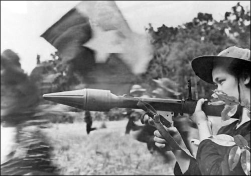 why did the untied stated lose The united states got involved in the vietnam conflict to keep communism from spreading throughout southeast asia at first the united states only aided france with military aid and advisors, but after the french suffered a major defeat at dien bien phu in the north-western hills, the french pulled.