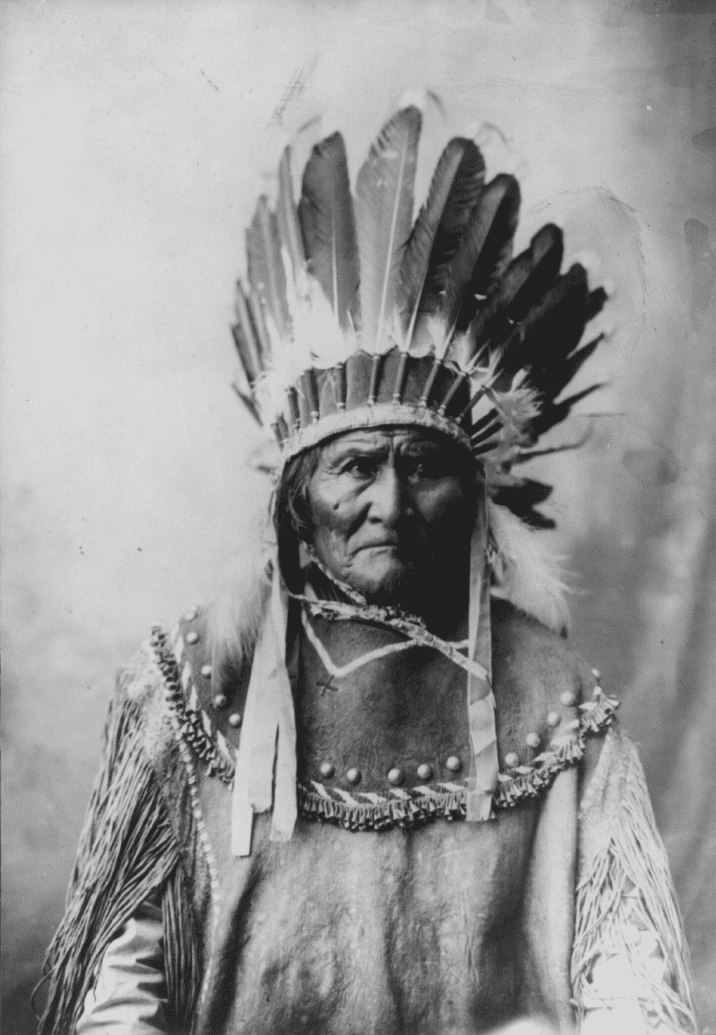 an analysis of geronimos grandfather maco the chief of the nedni apaches Y grandfather, maco, had been our chief the chief of the nedni apaches and the hereditary chief of the apaches, with geronimo surrendered all the.