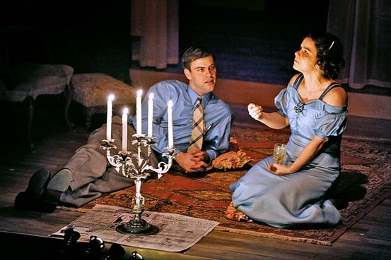 An analysis of fantasy in the glass menagerie by tennessee williams
