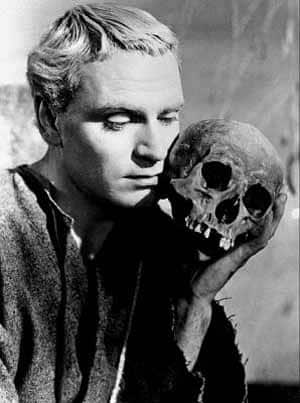 the imagery in hamlet a play by william shakespeare In the play macbeth by william shakespeare, we discover that macbeth is a tragic hero there are many factors, which contribute to the colapse of macbeth.